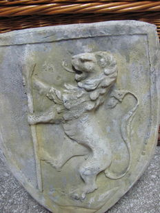 Coat of arms in stone dust - Italy - 20th century