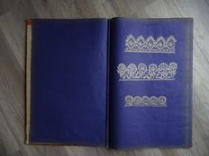 Large book with several old pieces of lace - 19th century