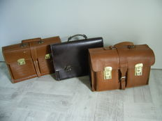 Lot with 3 Authentic leather bags