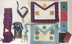 Freemasonry - 2 aprons, sash, necklaces, medals and booklets