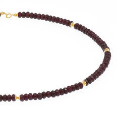 18 kt .750 yellow gold – Ruby necklace – Length: 50.5 cm