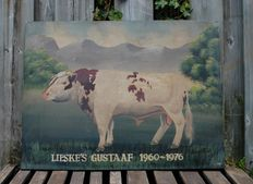 Painted bull on large wooden panel with some weathering / signs of wear. Second half of the 20th century