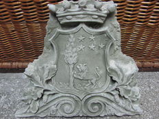 Coat of arms carved in stone dust - Italy - 20th century