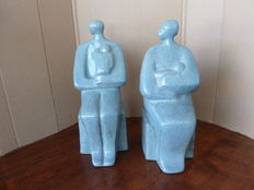 Marianne Koster-Hartemink, two sculptures with sitting women with child