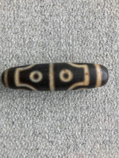 A prayer bead - Asia - Late 20th century