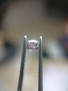 0.12 ct Cushion Modified cut diamond Fancy Dark Brown Purple Even
