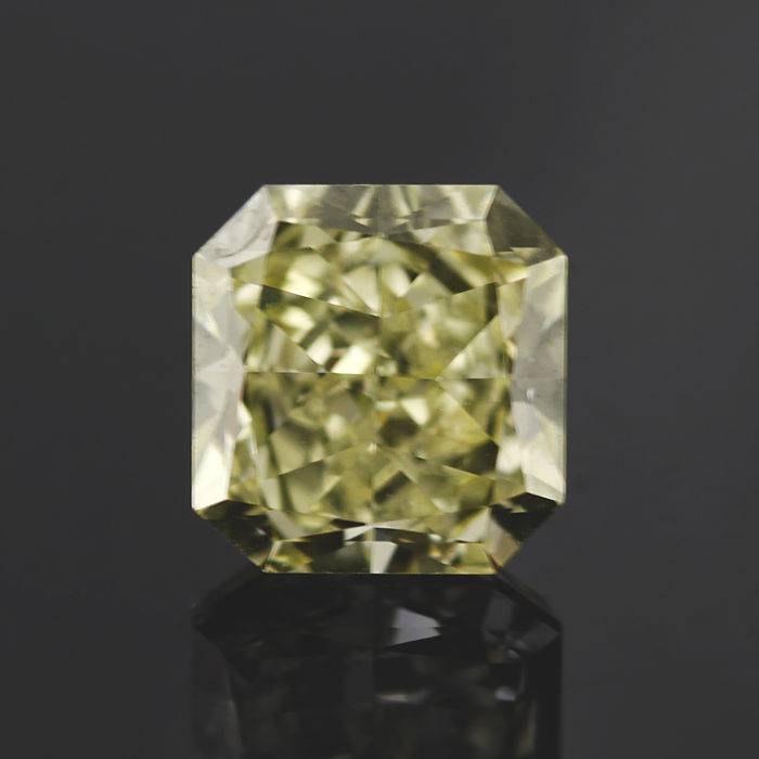 1.08 ct square radiant cut diamond, tinted yellow (N-O) VVS1 **LOW RESERVE PRICE**