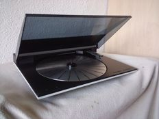 Bang & Olufsen tangential record player. BeoGram 4500 with MMC 5 cartridge.
