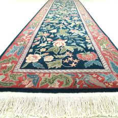"Veramin – 308 x 79 cm – ""Chic eye-catcher – Persian runner in mint condition"""