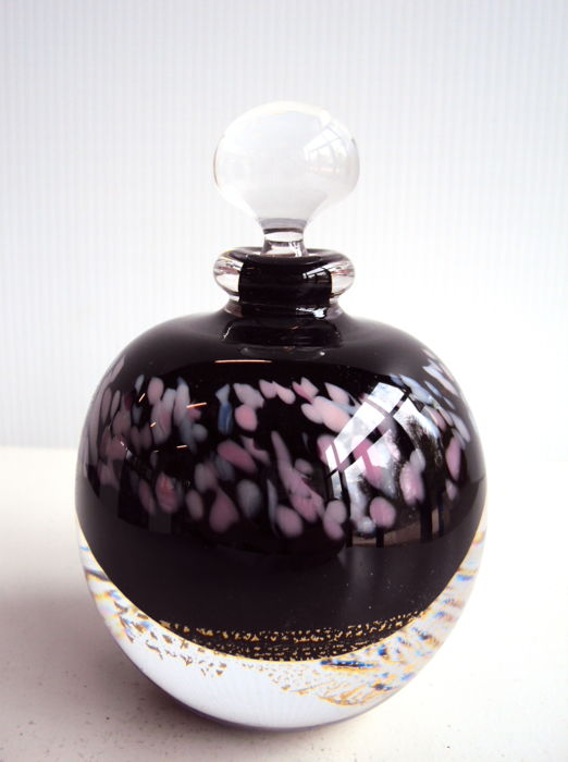 Maxence Parot  - Unique black & white opaline flask (dated/signed)