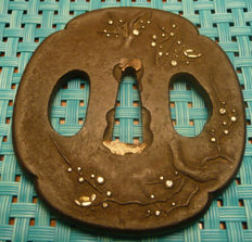 Tsuba with gold applications - Japan - 18th century