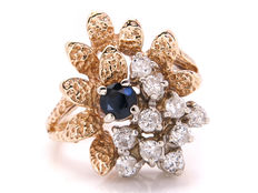 Gold cocktail ring with diamonds (0.35 ct) and sapphire (0.23 ct) – P1-P2 / F-I colour