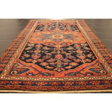 Rare antique Persian carpet Heriz Karadja 1930, natural colours, made in Iran 210 x 140 cm