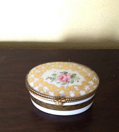 Porcelain Pill Box with roses, gilt & brass fittings, France, circa 1900.