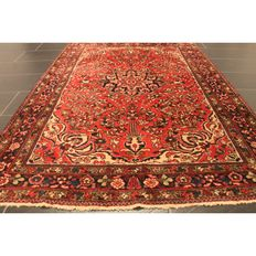 Persian carpet, Lilian Sarough, 210 x 150 cm, made in Iran circa 1940, natural colours