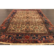 Rare antique Persian carpet Heriz Karadja 1930, natural colours, made in Iran 200 x 140 cm cleaned