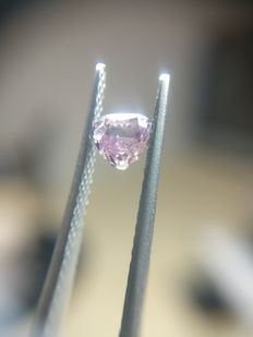 0.25 ct Heart cut diamond Fancy Deep Purple Pink Even I3