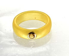 Yellow jade ring inlaid with citrine st in yellow gold - ring size: 17