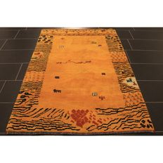 Beautiful old Persian carpet, Gabbeh, 180 x 120 cm, wool on wool, nomad's work, made in India