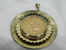 Golden coin of ten guilders with wide gold medallion