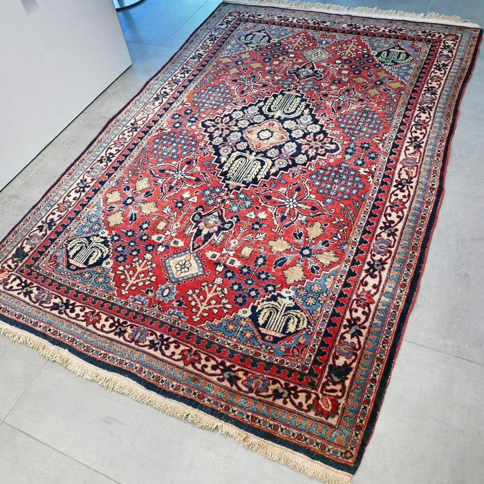 Rare, antique MeyMey Persian carpet – 207 x 136 – special carpet with a wonderful, old patina.