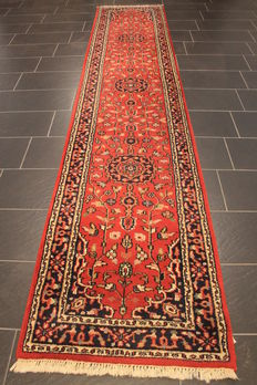 Beautiful handwoven Orient carpet Indo Ghom Nain 80 x 400 cm. Made in India.
