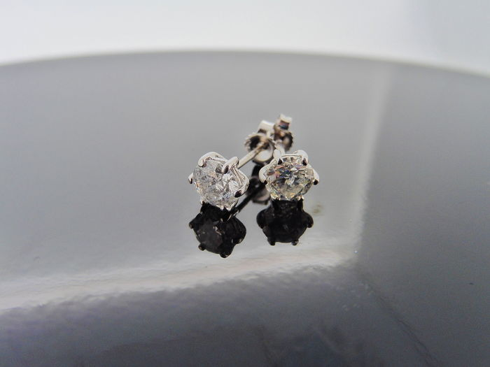 18k Gold Solitaire Diamond Stud Earrings - 1.40ct