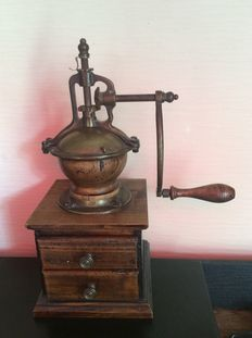 Old large coffee grinder 40 cm high