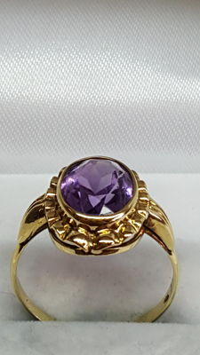 14 kt yellow gold women's ring set with amethyst, no reserve!
