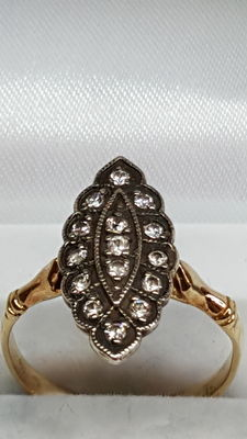 14 kt yellow gold women's ring set with white sapphire