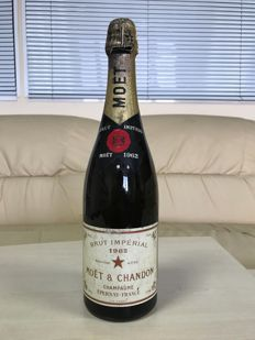 1962 Moet & Chandon Brut, Champagne - 1 bottle
