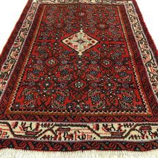 "Hamadan - 136 x 90 cm. - ""Persian, richly decorated carpet in top condition."" - Pay attention! no reserve price: starting at € 1, -"