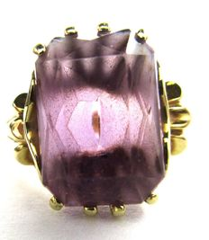 14 K Lady's Ring - Set with one  Amethyst Natural - 2.80 ct ; Ring size: Inner diameter: 17,5