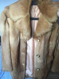 Vintage coat in fox fur