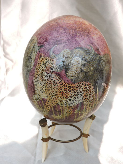 The Big 5 - ostrich egg on bone stand - 5 African animals