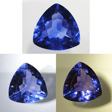 Colour-changing blue fluorite – 7.7 ct
