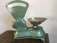 Antique and restored English scale, ca. 1930, West Bromwich, J & J Siddons LtD - Makers -
