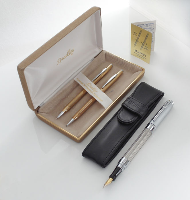 ARBUTUS New York: intriguing fountain pen with braided mesh with leather pouch + Bradley New York: vintage pen set in original box