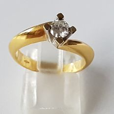 Solitaire ring in 18 kt gold with a 0.33 ct diamond - size 54