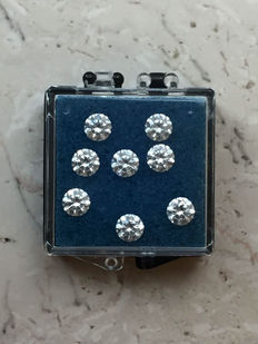 Lot of eight brilliant cut diamonds,  0.80 ct in total, G (bright white), VS (high clarity).