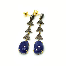 Dangle earrings with diamonds and sapphires – 19.26 ct in total