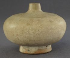 Special Chinese spout vase with a large belly Diameter - 7.7 cm