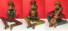 Three wooden sculptures of musicians (approx. 40 cm) – India – circa 1900