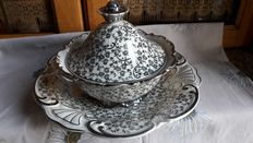 Elegant serving set, consisting of BAVARIA porcelain plate and tureen finely decorated in silver - Germany - early 1900s
