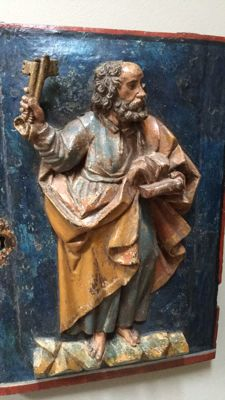 Beautifully executed polychrome wooden Tabernacle door with St. Peter - Spain - 16th century.