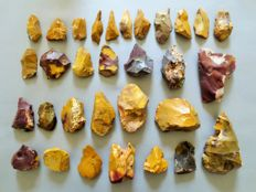 Large collection of 31 magnificent Mousterian / Neanderthal artefacts from Fontmaure 4 / 13 cm (31)