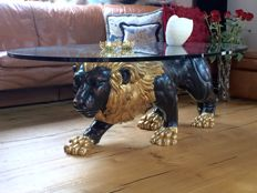 Oval coffee table with carved wooden lion sculpture from the Seitz Munich company, 21st century