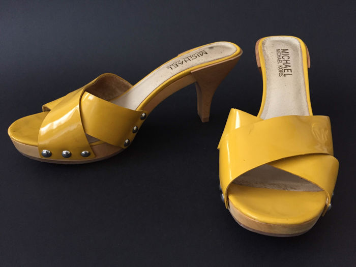 67613a2c366d Michael Kors – Shoes   Slippers with heels - Catawiki