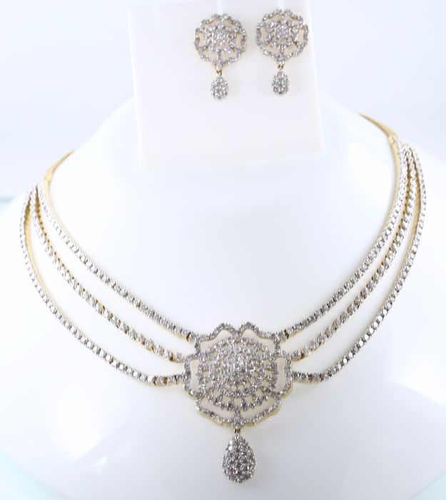 IGI Certified Yellow Solid gold necklace with 3 Diamond strings and flower with Diamond earrings with diamonds