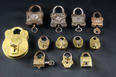 Lot of 12 old padlocks - late 19th century / early 20th century